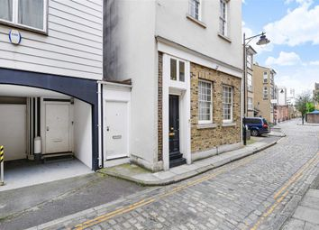 Thumbnail Studio to rent in Cold Harbour, London