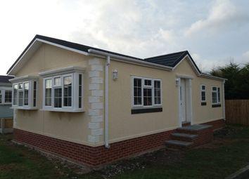 2 bed mobile/park home for sale in Station Road, Sandycroft, Deeside CH5