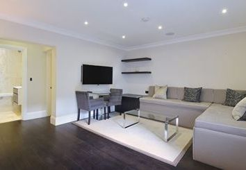 Thumbnail Studio to rent in Peony Court Apartments, London
