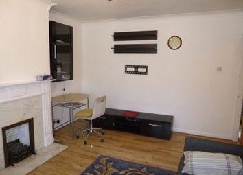 2 bed maisonette to rent in Heath Close, Harlington, Hayes UB3