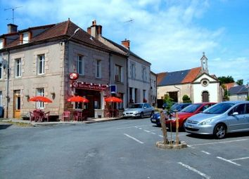 Thumbnail Pub/bar for sale in Clugnat, Creuse, France