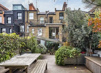 Thumbnail 4 bedroom terraced house for sale in Fashion Street, Spitalfields