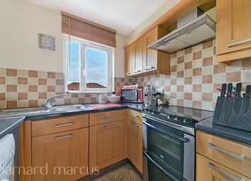 Thumbnail 1 bed flat to rent in Hardcastle Close, Croydon