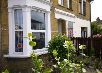Thumbnail 2 bedroom flat for sale in North Road, Westcliff-On-Sea