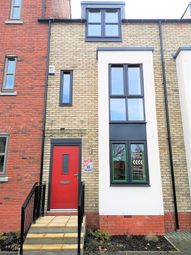 Thumbnail 3 bed town house to rent in Blanket Row, Hull