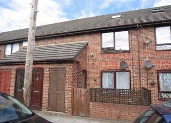 Thumbnail 1 bedroom flat to rent in Grayshott Road, Southsea