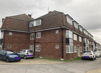 2 bed flat to rent in Squirrels Court, Squirrels Heath Lane, Gidea Park RM2