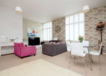 Thumbnail 1 bed flat to rent in Commercial Road, London