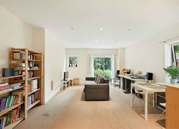 Thumbnail 1 bed flat to rent in Rosse Gardens, Desvignes Drive, London