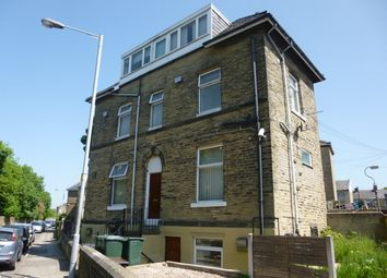 Thumbnail 1 bedroom flat to rent in Westfield Cres, Bradford