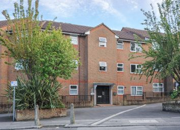 Thumbnail 1 bed flat to rent in Elms Road, Aldershot