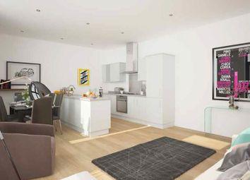 Thumbnail 2 bed flat to rent in Corner Hall, Hemel Hempstead