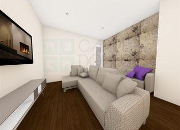Thumbnail 2 bed apartment for sale in Carnaxide E Queijas, Carnaxide E Queijas, Oeiras
