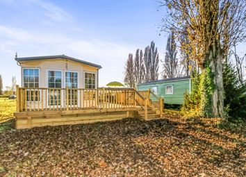 Thumbnail 2 bed bungalow for sale in Kingfisher Meadows, Billing Aquadrome, Northamptonshire, England