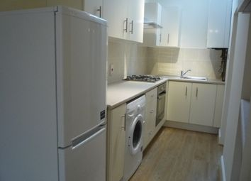 Thumbnail 1 bed flat to rent in Golders Green Road, London