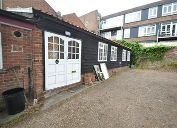 Thumbnail 2 bed cottage to rent in North Hill, Colchester
