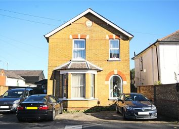 1 bed flat to rent in Corrie Road, Addlestone, Surrey KT15