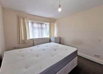Thumbnail Room to rent in Stretton Way, Borehamwood