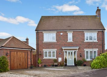 Thumbnail 3 bed detached house for sale in Woodhouse Gardens, Greenham, Thatcham, Berkshire
