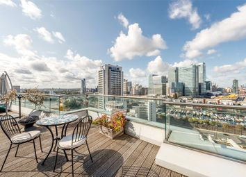 3 bed flat for sale in Fairmont Avenue, London E14