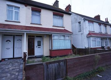 Thumbnail 1 bedroom flat for sale in Rylands Road, Southend-On-Sea