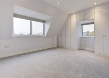 Thumbnail 3 bed flat to rent in The Vale, Golders Green