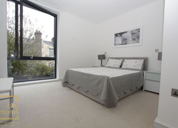 Thumbnail Room to rent in Hawthorne Crescent, Maze Hill