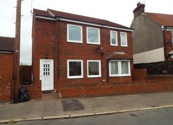 1 bed maisonette to rent in Valley Road, Gillingham, Kent ME7