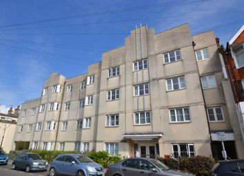 2 bed flat to rent in Susans Road, Eastbourne BN21