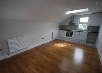 Thumbnail 2 bed flat to rent in Kidderminster Road, Croydon