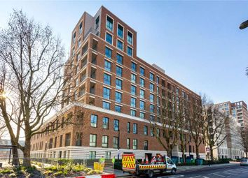 3 bed flat to rent in Heygate Street, London SE17