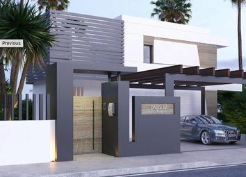 Thumbnail 3 bed villa for sale in La Resina Golf, Estepona, Costa Del Sol, Andalusia, Spain