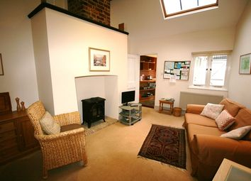 Thumbnail 1 bed flat to rent in Chapel Place, Fore Street, Topsham, Exeter