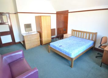Thumbnail Room to rent in Hillside House, Allcroft Road, Reading - Room 26