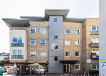 Ash Court, Cline Road, London N11. 2 bed flat