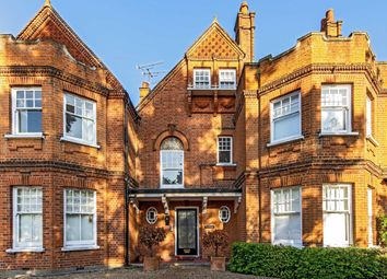 3 bed flat to rent in Ditton Road, Surbiton KT6