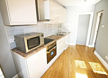 Thumbnail 1 bed flat to rent in Michelham Down, Finchley, London