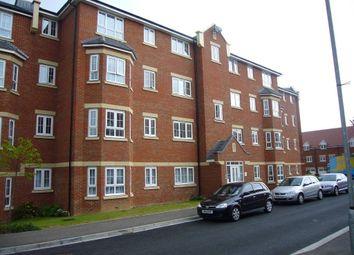 Thumbnail 2 bed flat to rent in Watling Gardens, Dunstable