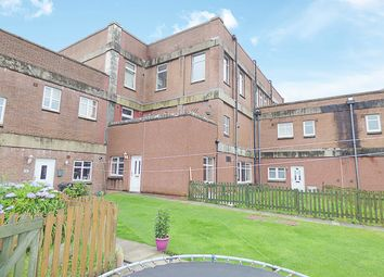 Thumbnail 2 bed flat for sale in Broadside Court, Denny, Stirlingshire