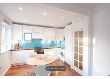 2 bed maisonette to rent in Palace Road, London SW2