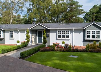 California Country Park Homes, Nine Mile Ride, Finchampstead, Wokingham RG40. 2 bed mobile/park home for sale