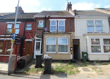 Thumbnail 2 bed flat for sale in Westbourne Road, Luton