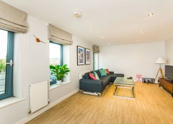 Thumbnail 2 bedroom flat for sale in Isabella Mews, Islington