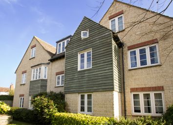 Thumbnail 1 bedroom flat to rent in High Street, Witney