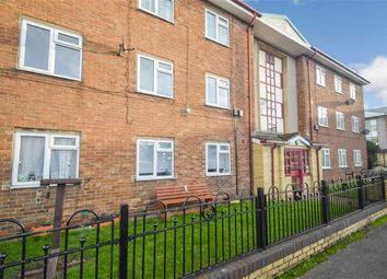 Thumbnail 2 bed flat for sale in Vauxhall Grove, Hull