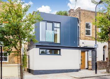 2 bed detached house to rent in Blurton Road, London E5
