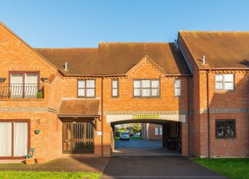 Thumbnail 2 bed flat for sale in Field Gardens, Steventon, Abingdon