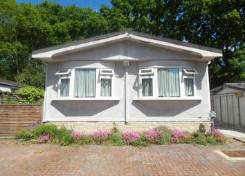 Thumbnail 2 bedroom mobile/park home for sale in Pebble Hill, Radley, Abingdon