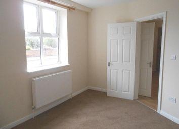 Thumbnail 1 bed flat to rent in Glenhurst Road, London