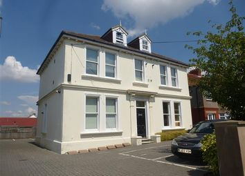 Thumbnail 1 bedroom flat to rent in Lyndhurst Road, Broadwater, Worthing